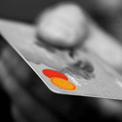 クレジットカードが悪用された場合、持ち主としての責任を追及されることになります。思わるトラブルに巻き込まれないためにも必見です