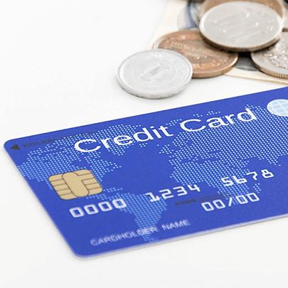 クレジットカード審査において年会費の有料・無料は関係あるのでしょうか?