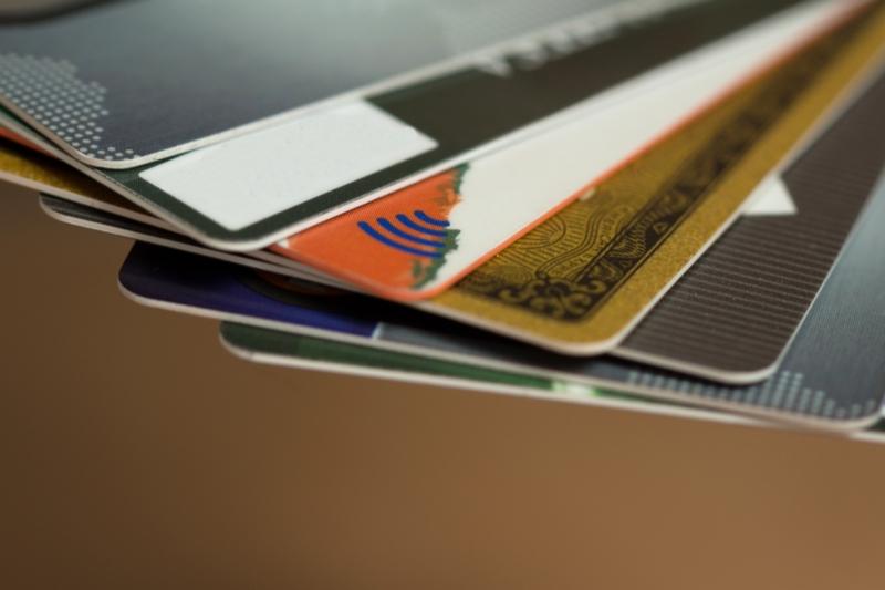 クレジットカード各社のいつから使えるか